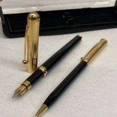Estilográficas antiguas, bolígrafos y plumas: BOLÍGRAFO Y PLUMA CUERPO LACADO NEGRO. Lote 295442678