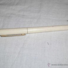 Plumas estilográficas antiguas: ANTIGUA PLUMA PIERRE CARDIN BLANCA. Lote 44215642