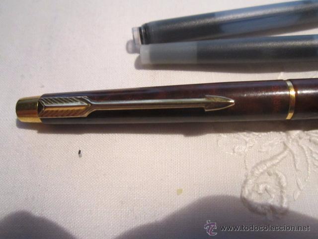 Plumas estilográficas antiguas: Pluma estilográfica Parker cla cuerpo lacado en marrón con clip dorado, más dos recambios. 13,5 cms. - Foto 2 - 53704883