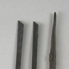 Plumas estilográficas antiguas: COLECCIÓN DE TRES PLUMAS. METAL TALLADO. SIGLO. XIX-XX.. Lote 52783445
