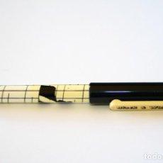 Plumas estilográficas antiguas: PLUMA ESTILOGRÁFICA BLACK & WHITE RARA. Lote 128621467