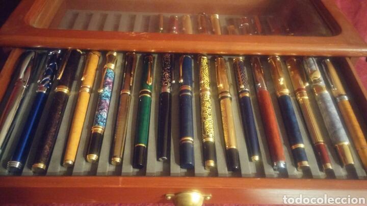 Old Fountain Pens: MUEBLE EXPOSITOR DE PLUMAS CON 27 PLUMAS DE COLECCION - Foto 3 - 150839580