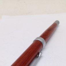 Plumas estilográficas antiguas: PLUMA CUERPO MADERA GRAN CALIDAD. Lote 150931909