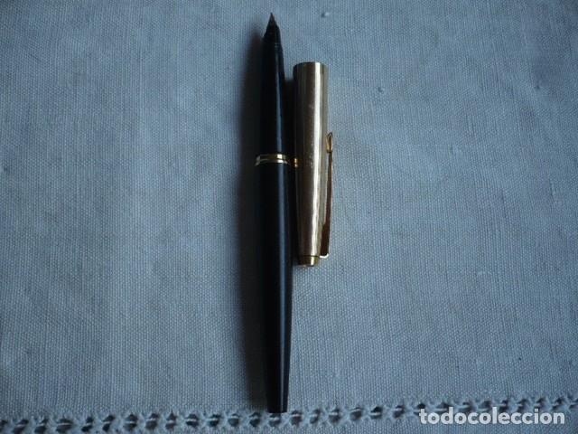 Plumas estilográficas antiguas: PLUMA PARKER NEGRA CAPUCHÓN DORADO CHAPADO ORO 1/10 12 KILATES - Foto 2 - 172577163