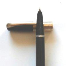 Plumas estilográficas antiguas: PLUMA SUPER T 40 GESTER TORELLÓ BARCELONA, PLUMIN ORO, EBONITA NEGRA, AÑOS 50. Lote 174906169