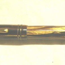 Plumas estilográficas antiguas: PLUMA ESTILOGRÁFICA ICSA, CUERPO EBONITA AGUAS CARAMELO, MARRÓN Y NEGRO. Lote 174906828
