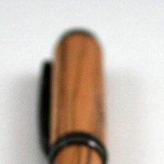 Plumas de tinta permanente antigas: PLUMA CUERPO MADERA OLIVO. Lote 192171506