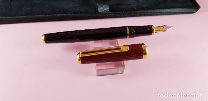 Plumas estilográficas antiguas: pluma estilográfica-INOXCROM sirocco guilloché-negra+burgundi-convertidor-caja-plumín original M - Foto 7 - 231485885
