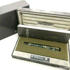 Plumas estilográficas antiguas: PARKER DUOFOLD CENTENNIAL GREEN MARBLED FOUNTAIN PEN 18K F NIB - BOXED -. Lote 236457630