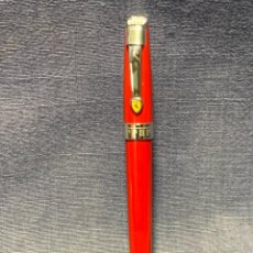 Plumas estilográficas antiguas: PLUMA ESTILOGRAFICA ROJA FERRARI 13,5X1,3CMS. Lote 236762505
