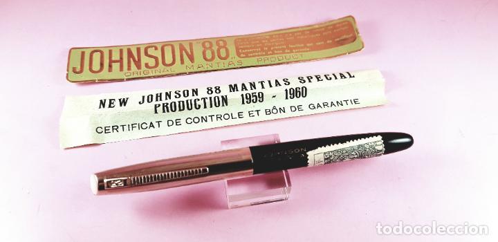 Plumas estilográficas antiguas: PLUMA ESTILOGRÁFICA-NEW JOHNSON MANTIAS SPECIAL PLEXIGLAS-FRANCIA-(1959/1960)-PAPELES-NEGRO+DORADO - Foto 10 - 238515195