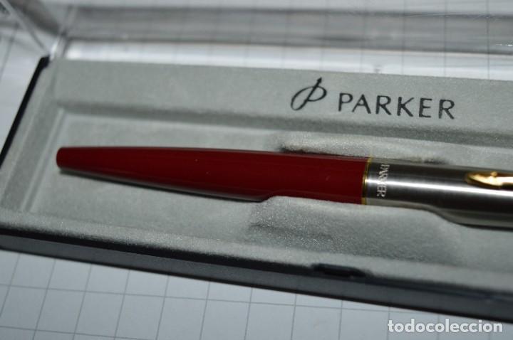 Plumas estilográficas antiguas: PARKER 45 - Roja burdeos / Detalles acero y dorados / Con caja/estuche NOS - ¡Mira fotos, PRECIOSA! - Foto 6 - 276962823