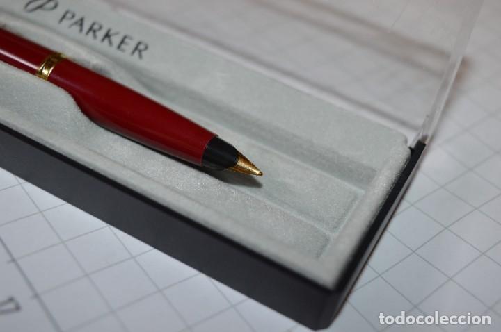Plumas estilográficas antiguas: PARKER 45 - Roja burdeos / Detalles acero y dorados / Con caja/estuche NOS - ¡Mira fotos, PRECIOSA! - Foto 9 - 276962823