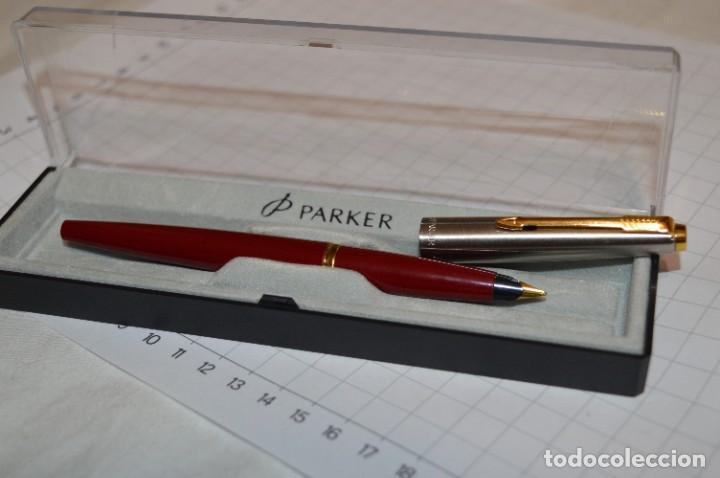 Plumas estilográficas antiguas: PARKER 45 - Roja burdeos / Detalles acero y dorados / Con caja/estuche NOS - ¡Mira fotos, PRECIOSA! - Foto 2 - 276962823