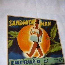 Etiquetas antiguas: ETIQUETA PARA LAS CAJAS DE NARANJAS AÑOS 50 MARCA SANDWICH-MAN 260X280M/M.. Lote 5732743