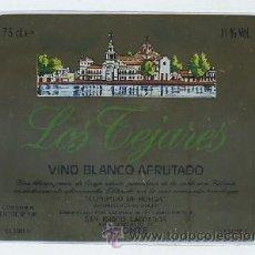 Etiquetas antiguas: ETIQUETA VINO BLANCO AFRUTADO LOS TEJARES. COOP. DEL CAMPO VINICOLA SAN ISIDRO LABRADOR ALMONTE . Lote 20464821