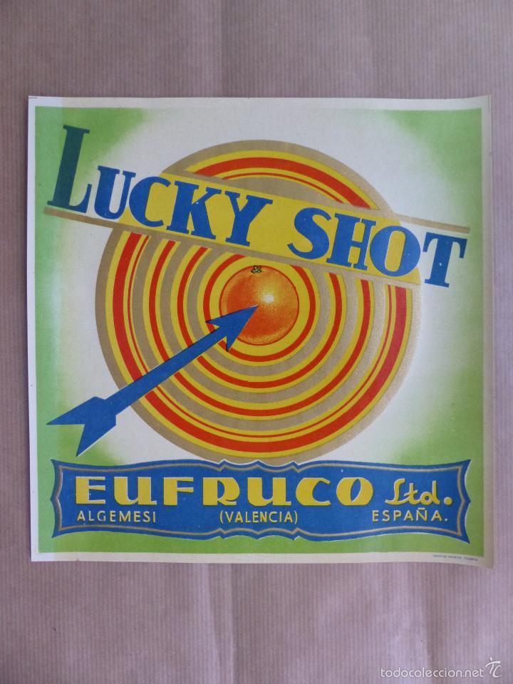 LOTE 25 ANTIGUAS ETIQUETAS DE NARANJAS - LUCKY SHOT EUFRUCO LTD. - ALGEMESI, VALENCIA (Coleccionismo - Etiquetas)