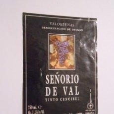 Etiquetas antiguas: ETIQUETA VINO CENCIBEL SEÑORIO DE VAL. VALDEPEÑAS DENOMINACION DE ORIGEN. CASA DE LA VIÑA. TDKP8. Lote 62965448