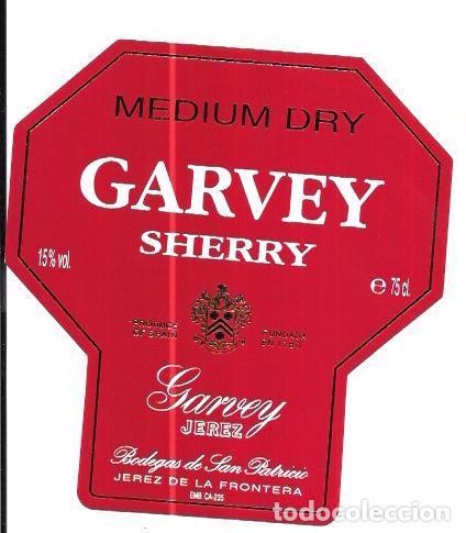 ETIQUETA DE VINO MEDIUM DRY. GARVEY SHERRY. GARVEY JEREZ. BODEGAS DE SAN PATRICIO. JEREZ (Coleccionismo - Etiquetas)