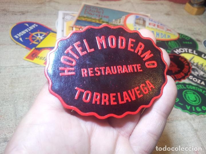 - ETIQUETA HOTEL MODERNO TORRELAVEGA- REVERSO ENGOMADO COLECCION PARTICULAR (Coleccionismo - Etiquetas)