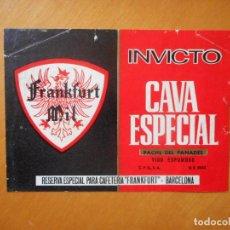 Etiquetas antiguas: INVICTO CAVA ESPECIAL. RESERVA ESPECIAL PARA CAFETERÍA FRANKFURT, BARCELONA. ETIQUETA DIFÍCIL. Lote 77350077