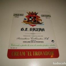 Etiquetas antiguas: G.E. BAZAN PRIMITIVO COLLANTES CREAM EL TROVADOR ETIQUETA DE VINO CAJA-28. Lote 81236656