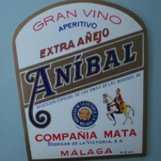 Etiquetas antiguas: ANTIGUA ETIQUETA BODEGAS DE LA VICTORIA MALAGA COMPAÑIA MATA: ANIBAL GRAN VINO APERITIVO EXTRA AÑEJO. Lote 111853215