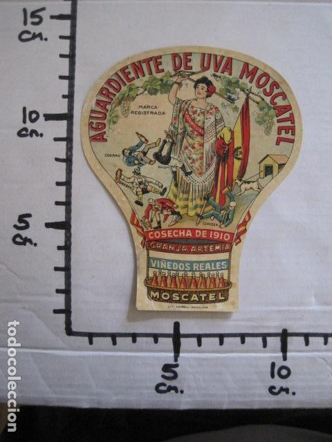 Etiquetas antiguas: ETIQUETA ANTIGUA AGUARDIENTE DE UVA MOSCATEL -GRANJA ARTEMIA - VER FOTOS - (V-13.548) - Foto 3 - 113293755