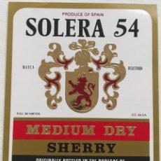 Etiquetas antiguas: ETIQUETA SOLERA 54 - MÉDIUM DRY SHERRY - LUIS PAEZ - JEREZ. Lote 131584126