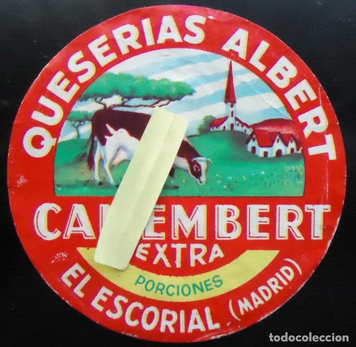 ETIQUETA QUESO VACA EL ESCORIAL MADRID QUESERIA ALBERT GANADO VACUNO MADRILEÑO LACTEO CAMEMBERT (Coleccionismo - Etiquetas)