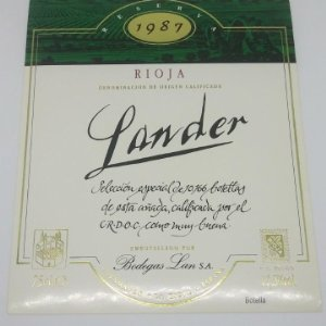 Lander. Reserva 1987. Bodegas Lan. Fuenmayor. La Rioja. Etiqueta de muestra impecable