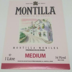 Montilla Moriles Medium. Etiqueta impecable 13,5x10,4cm