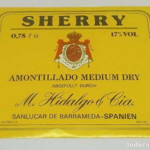 Sherry Amontillado Medium Dry M. Hidalgo & cia Sanlucar de Barrameda. Etiqueta impecable 13,3x11,2cm