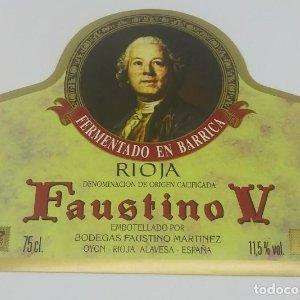 Faustino V. Rioja. Fer en barrica Bodegas Faustino Martinez. Oyon. Rioja Alavesa. Etiqueta impecable
