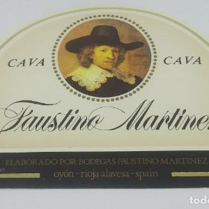 Cava Faustino Martinez. Bodegas Faustino. Oyón. Rioja Alavesa. Etiqueta nunca pegada en botella