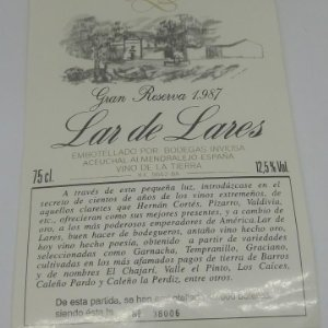 Lar de Lares. Gran reserva 1987 Bodegas Inviosa. Aceuchal. Almendralejo 38006/40k botellas 14x9,3cm