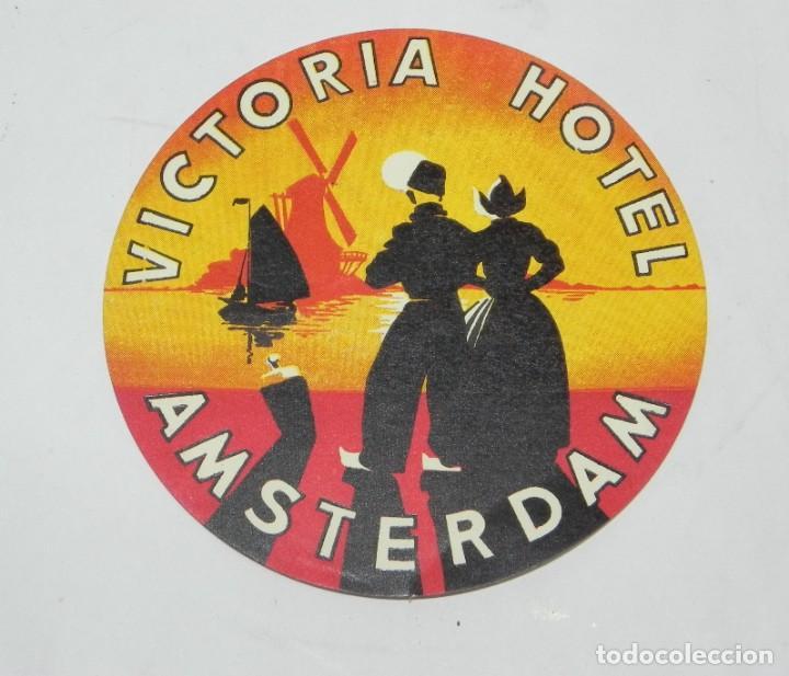 ETIQUETA PARA MALETA DEL HOTEL VICTORIA, AMSTERDAM, LUGGAGE LABEL, MIDE 10 CMS. (Coleccionismo - Etiquetas)