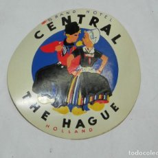Etiquetas antiguas: ETIQUETA PARA MALETA CENTRAL THE HAUGUE, HOLLAND, LUGGAGE LABEL, MIDE 9,5 CMS.. Lote 194549053