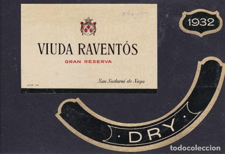 2 ET. VIUDA RAVENTÓS SAN SADURNI DE NOYA BARCELONA PEGADAS A UNA CARTULINA (Coleccionismo - Etiquetas)