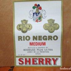 Etiquetas antiguas: ANTIGUA ETIQUETA, RIO NEGRO MEDIUM SHERRY BARBER. Lote 194946023