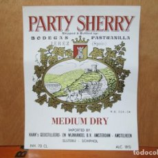 Etiquetas antiguas: ANTIGUA ETIQUETA, PERTY SHERRY MADIUM DRY, BODEGAS PASTRANILLA. Lote 194947503