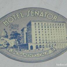 Etiquetas antiguas: ETIQUETA PARA MALETA HOTEL SENATOR, SACRAMENTO, CALIFORNIA, USA, LUGGAGE LABEL, MIDE 10,5 X 8,5 CMS.. Lote 195173231
