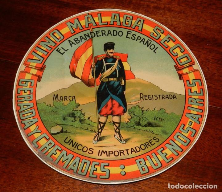 ETIQUETA DE VINO MÁLAGA SECO. GERADA Y CREMADES. BUENOS AIRES. 27 CM. DE DIÁMETRO. (Coleccionismo - Etiquetas)