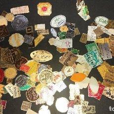 Etiquetas antiguas: LOTE DE MUCHISIMAS ETIQUETAS VARIADAS DE MUCHOS TIPOS , USADAS . LEER DESCRIPCION. Lote 207125951