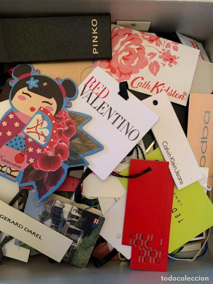 Etiquetas antiguas: Gran lote de etiquetas de primeras firmas de moda. Algunas con más de 20 años. - Foto 3 - 209748960