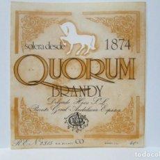 Etiquetas antiguas: ANTIGUA ETIQUETA BRANDY COÑAC, QUORUM. Lote 214353553