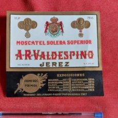 Etiquetas antiguas: ETIQUETA VALDESPINO MOSCATEL SOLERA SUPERIOR EXPOSICIONES PRIMEROS PREMIOS. Lote 236053795