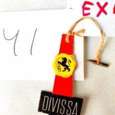 Etiquetas antiguas: ETIQUETA DIVISSA - CON EL CORDEL ORIGINAL Y SU ENGANCHE. Lote 239698940
