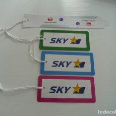 Etiquetas antiguas: AVION : BAGGAGE LUGGAGE TAGS SET SKY AIRLINES JAPAN ETIQUETA PRECINTO LABEL DE EQUIPAJE MALETA. Lote 254308480
