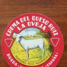 Étiquettes anciennes: ETIQUETA DE CREMA DEL QUESO RUIZ LA OVEJA ( MARIANO RUIZ )- RUEDA ( VALLADOLID ) - DIÁMETRO 10,50 CM. Lote 261810220